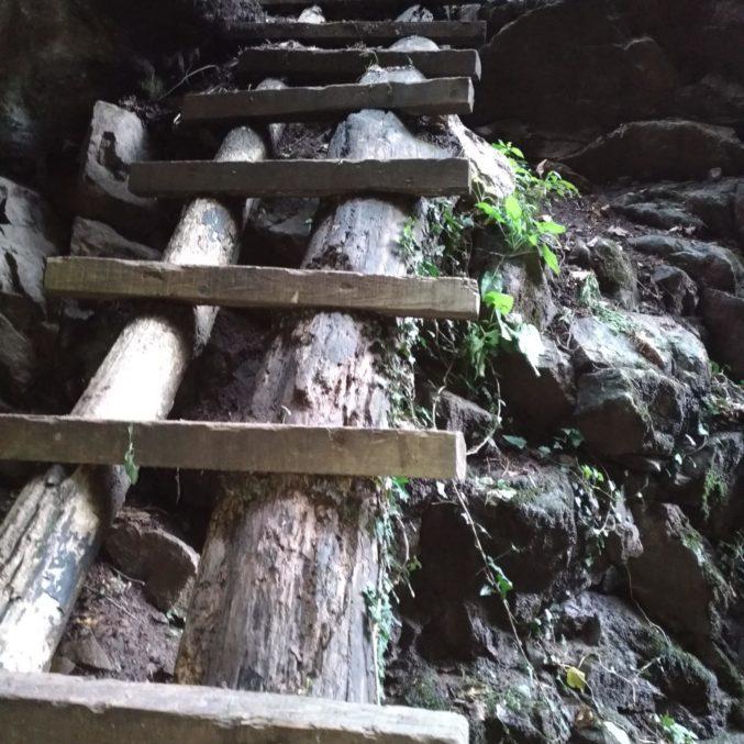 Holztreppe2-min